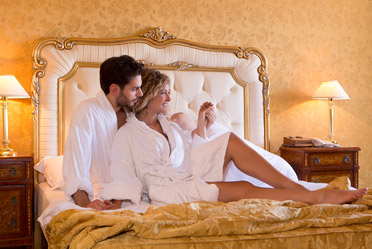 Newlyweds in Caserta in their suite