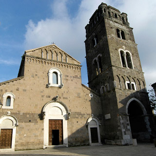 La cattedrale di Caserta Vecchia