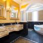 Camera con vasca idromassaggio a Caserta